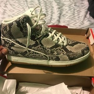 543f8ab0cdcd Nike · NIKE AIR PYTHON SNAKESKIN LEATHER SIZE 15